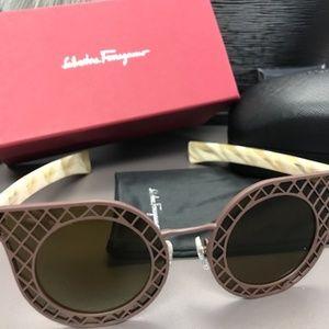FERRAGAMO SF171S Ivory & Brown Women Sunglasses